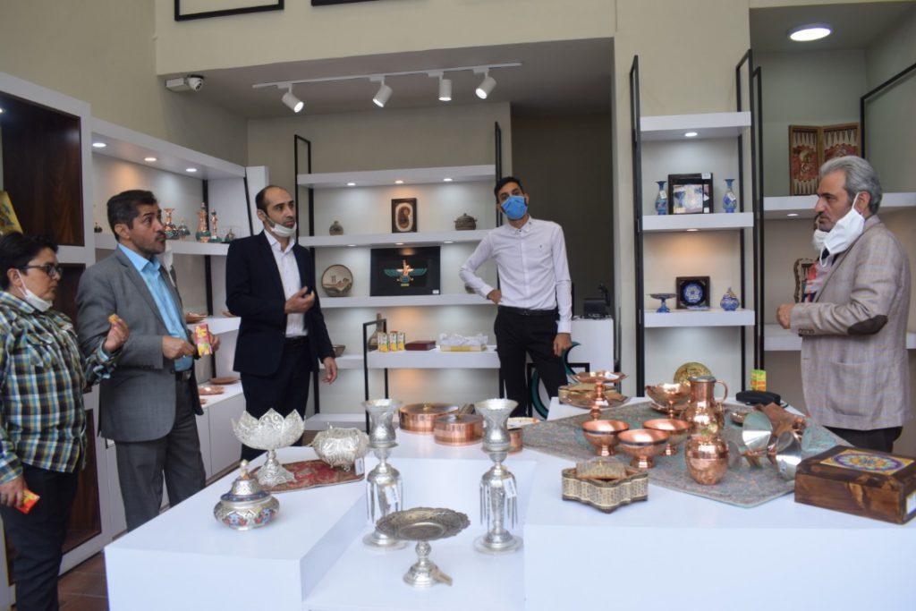 فروشگاه صنایع دستی حامیان
